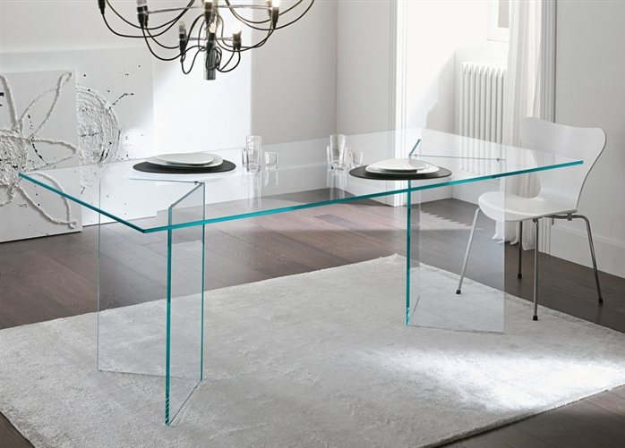 marvelous table a manger transparente 8 grande table manger design en verre transparent. Black Bedroom Furniture Sets. Home Design Ideas